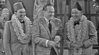 Frank Sinatra, Bob Hope, Bing Crsoby performing and joking onstage
